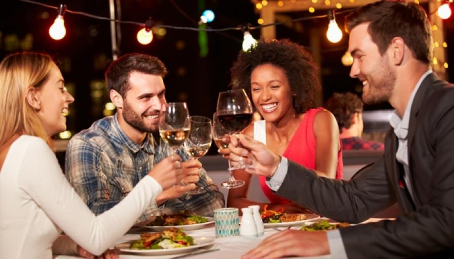 Prepara tu noche especial en un restaurante moderno y con terraza en Majadahonda
